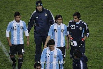 أجويرو ميسي يواجه ضغوطاً والأرجنتين 2011-07-01-00000102806020.jpg