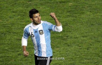 أجويرو راض باللعب كبديل مع 2011-07-01-00000102806021.jpg