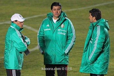 تينا مدرب المكسيك يقول ان 2011-07-04-00000102809087.jpg