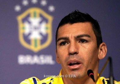حارس البرازيل يدافع عن لوسيو 2011-07-09-00000102819871.jpg