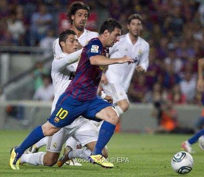 ميسي يلدغ ريال مدريد ويقود
