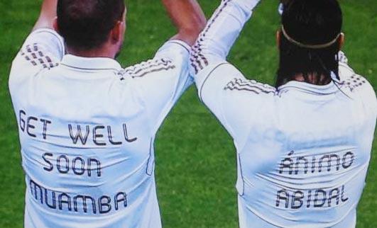لاعبو ريال مدريد يرتدون قمصانا لمساندة أبيدال وموامبا قبل مباراة مالاجا