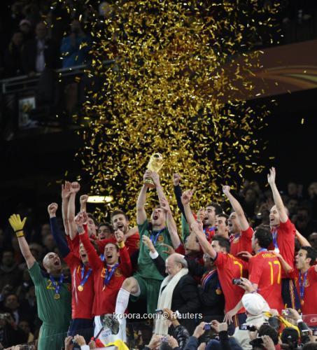 إنييستا يقود الأسبان للفوز على هولندا والتتويج باللقب العالمي الأول I.aspx?i=reuters%2f2010-07-11%2f%2f2010-07-11t212113z_01_wca204_rtridsp_3_soccer-world_reuters
