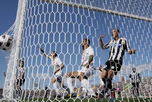 إيتو يقود إنتر ميلان لعبور باليرمو ويوفنتوس يحقق فوزه الأول بالدوري الإيطالي I.aspx?i=reuters%2f2010-09-19%2f%2f2010-09-19t140917z_01_aga106_rtridsp_3_soccer-italy_reuters