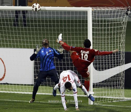 إيران تحقق فوزها الثالث على التوالي وتضاعف محنة الأبيض الإماراتي بثلاثية نظيفة  I.aspx?i=reuters%2f2011-01-19%2f%2f2011-01-192011-01-19t175215z_01_ac823_rtridsp_3_soccer-asian_reuters