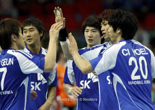 كوريا واليابان يحفظان اليد الأسيوية