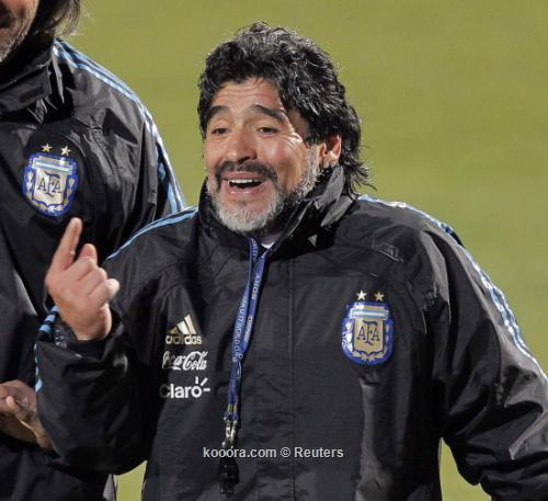 مارادونا يهجر صديقه الصدوق بسبب 2010-06-25t164733z_01_ema01_rtridsp_3_soccer-world_reuters.jpg