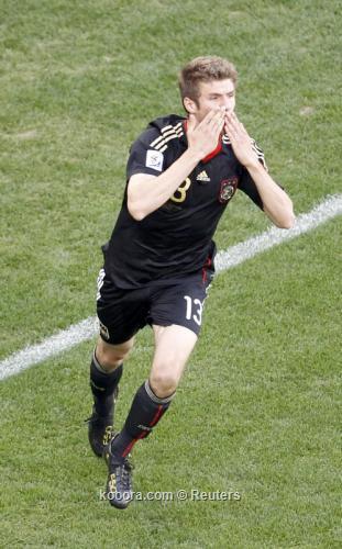 الفيفا يرشح الألماني مولر والغاني 2010-07-03t140614z_01_wcp308_rtridsp_3_soccer-world_reuters.jpg