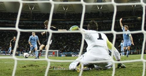 ألمانيا تحافظ على المركز الثالث 2010-07-10t185835z_01_wca120_rtridsp_3_soccer-world_reuters.jpg