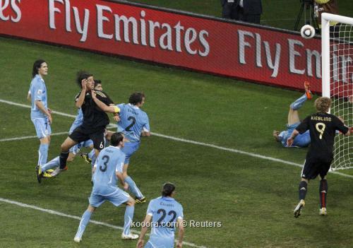 ألمانيا تحافظ على المركز الثالث 2010-07-10t201321z_01_wca409_rtridsp_3_soccer-world_reuters.jpg