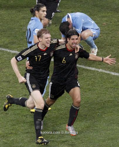 ألمانيا تحافظ على المركز الثالث 2010-07-10t201616z_01_wca411_rtridsp_3_soccer-world_reuters.jpg