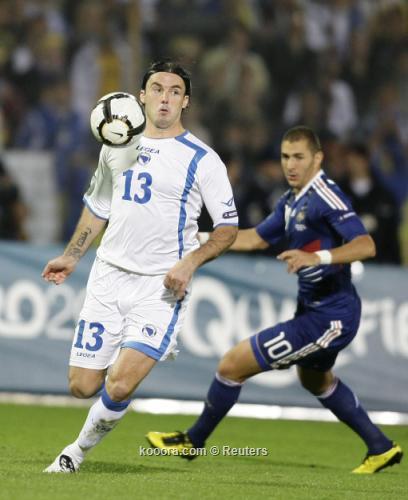 التصفيات المؤهلة إلى كأس الأمم 2010-09-07t195145z_01_mdj11_rtridsp_3_soccer-euro_reuters.jpg