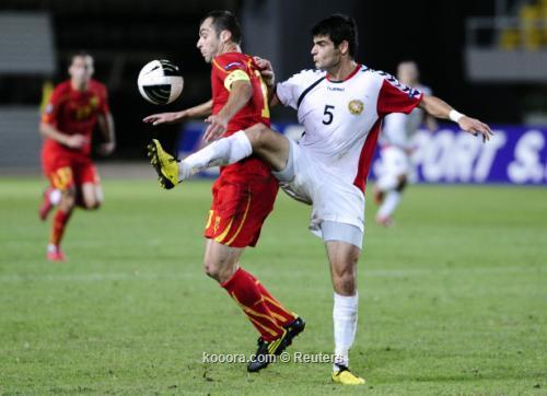 مقدونيا تتعادل على أرضها مع 2010-09-07t195258z_01_sko01_rtridsp_3_soccer-euro_reuters.jpg