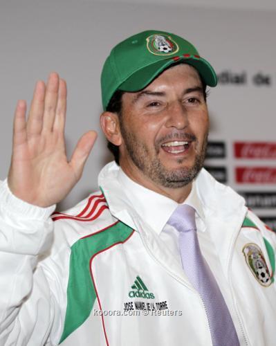 المدير الفني لمنتخب المكسيك: لسنا 2010-10-19t043249z_01_hnr03_rtridsp_3_soccer-latam_reuters.jpg