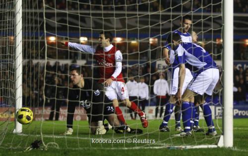 سيتي وارسنال يواصلان مطاردة يونايتد 2011-01-012011-01-01t192426z_01_edy10_rtridsp_3_soccer-england_reuters.jpg