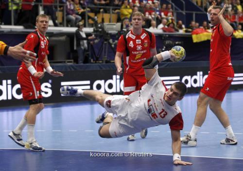 أسبانيا تسحق أيسلندا وتصبح ثالث 2011-01-242011-01-24t160844z_01_hnd306_rtridsp_3_handball_reuters.jpg