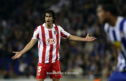 اتليتيكو مدريد يضم لاعب الوسط 2011-04-172011-04-17t200153z_01_bar107_rtridsp_3_soccer-spain_reuters.jpg