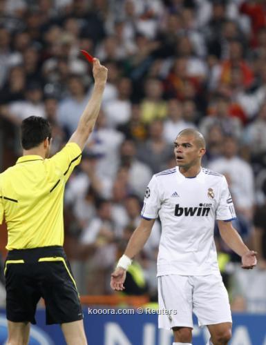 ميسي يلدغ ريال مدريد في 2011-04-272011-04-27t201602z_01_mad715_rtridsp_3_soccer-champions_reuters.jpg