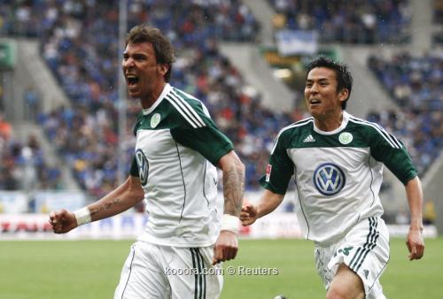 ماكوتو هاسيبي يمدد مع فولفسبورج 2011-05-142011-05-14t153926z_01_ad11_rtridsp_3_soccer-germany_reuters.jpg