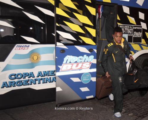 الفتور والهدوء يسيطران على استقبال 2011-06-222011-06-22t023330z_01_pw02_rtridsp_3_soccer-latam-copaamerica_reuters.jpg