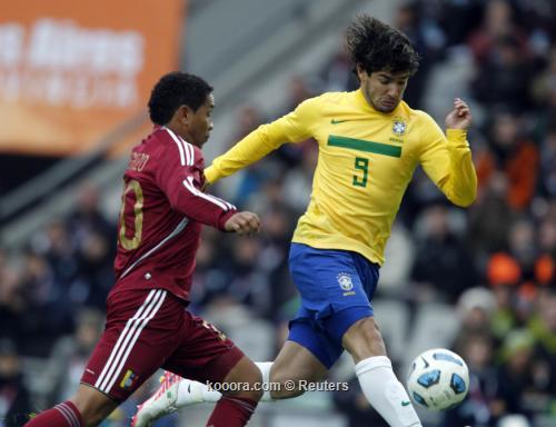 باتو التعادل مع فنزويلا يمثل 2011-07-032011-07-03t192249z_01_bas518_rtridsp_3_soccer-copa_reuters.jpg