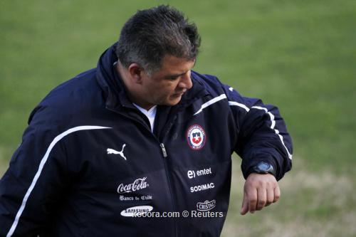 بورجي منتخب تشيلي استحق الصدارة 2011-07-05t235417z_01_stg110_rtridsp_3_soccer-copa_reuters.jpg
