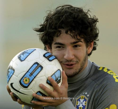 "باتو: لقاء الإكوادور ""مباراة نهائي"" 2011-07-08t210940z_01_cdb05_rtridsp_3_soccer-copa_reuters.jpg"