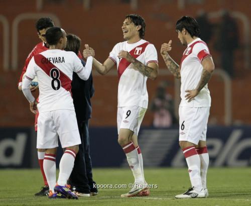 بيرو تريح مدفعيتها الثقيلة أمام 2011-07-09t025802z_01_men744_rtridsp_3_soccer-copa_reuters.jpg