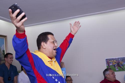 شافيز يحتفل بتعادل فنزويلا مع 2011-07-10t000702z_01_ven03_rtridsp_3_venezuela-chavez_reuters.jpg