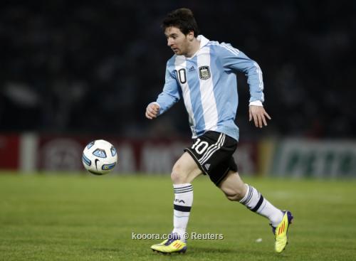ميسي: نيمار سيجعل الدوري الإسباني 2011-07-12t025132z_01_cor-630_rtridsp_3_soccer-copa_reuters.jpg
