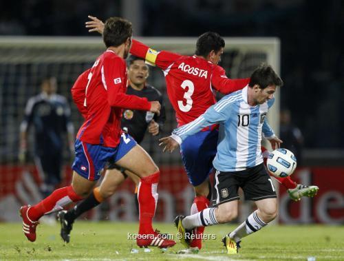 ميسي أفضل لاعب في مباراة 2011-07-12t030347z_01_cor742_rtridsp_3_soccer-copa_reuters.jpg