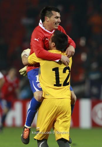 التشيلي خارا: الفوز بفارق أهداف 2011-07-13t004242z_01_mdz624_rtridsp_3_soccer-copa_reuters.jpg