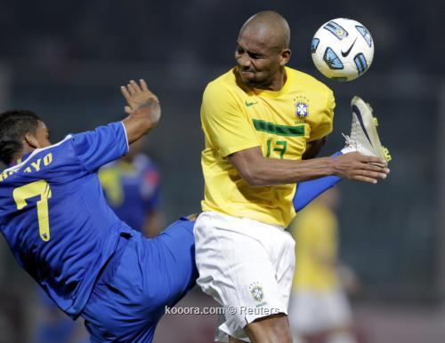مايكون يأمل في اللعب أساسيا 2011-07-14t030910z_01_jmg58_rtridsp_3_soccer-copa_reuters.jpg