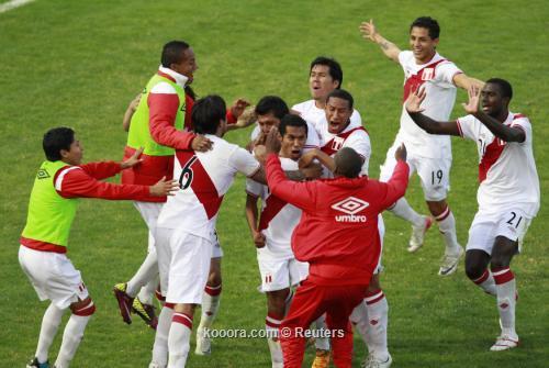 بيرو تحطم حلم كولومبيا وتتأهل 2011-07-16t212807z_01_jmg48_rtridsp_3_soccer-copa_reuters.jpg
