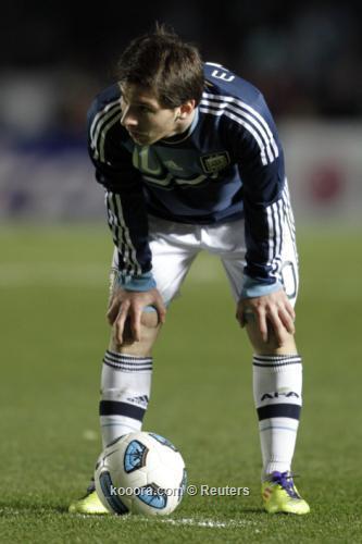 أديداس تناشد الأرجنتينيين الصبر على 2011-07-17t003059z_01_jmg109_rtridsp_3_soccer-copa_reuters.jpg