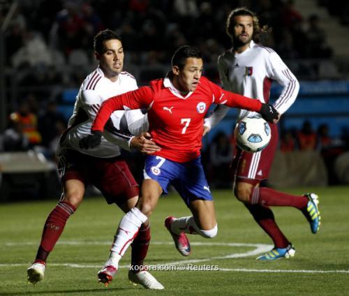 فنزويلا تبدد أمال تشيلي وتكمل 2011-07-17t232542z_01_jmg85_rtridsp_3_soccer-copa_reuters.jpg
