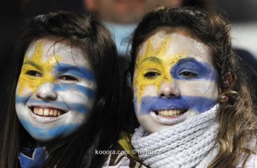 جماهير أوروجواي تستعد لاستقبال فريقها 2011-07-19t233523z_01_sms04_rtridsp_3_soccer-copa_reuters.jpg
