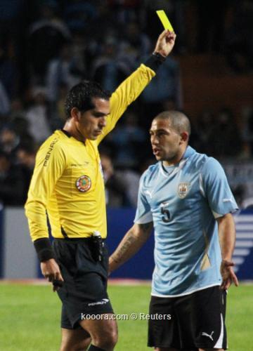 جارجانو: أوروجواي ليس عليها ضغط 2011-07-20t013942z_01_jmg11_rtridsp_3_soccer-copa_reuters.jpg