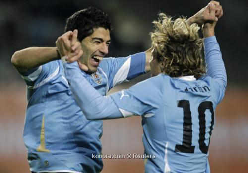 ثنائية سواريز توقظ بيرو من 2011-07-20t022715z_01_sfr25_rtridsp_3_soccer-copa_reuters.jpg