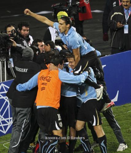 أوروجواي لا تزال تشعر بالظمأ 2011-07-20t025115z_01_sfr28_rtridsp_3_soccer-copa_reuters.jpg
