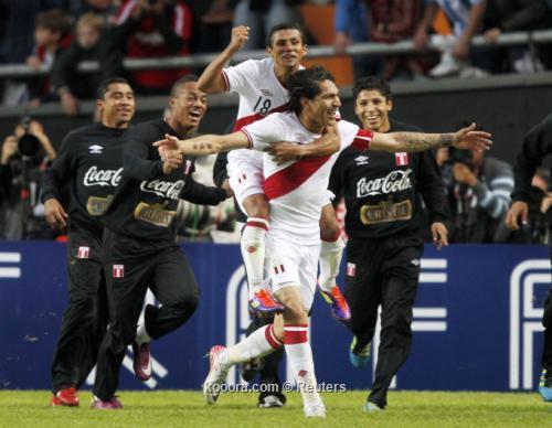 البيرواني جيريرو هداف كوبا أمريكا 2011-07-23t215409z_01_sfr51_rtridsp_3_soccer-copa_reuters.jpg