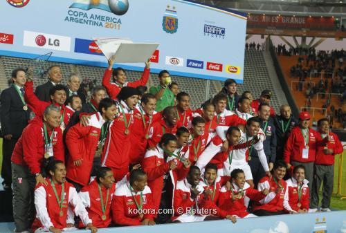 وسائل الإعلام البيروفية تحتفل ببرونزية 2011-07-23t224703z_01_sfr66_rtridsp_3_soccer-copa_reuters.jpg