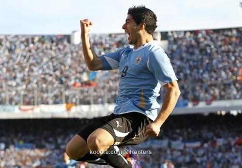 """سواريز وفيار وكواتيس وجيريرو """"الأفضل"""" 2011-07-24t192956z_01_sms10_rtridsp_3_soccer-copa_reuters.jpg"""