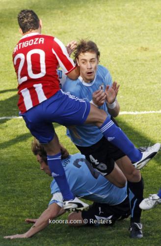 "سواريز وفيار وكواتيس وجيريرو ""الأفضل"" 2011-07-24t193732z_01_sfr05_rtridsp_3_soccer-copa_reuters.jpg"