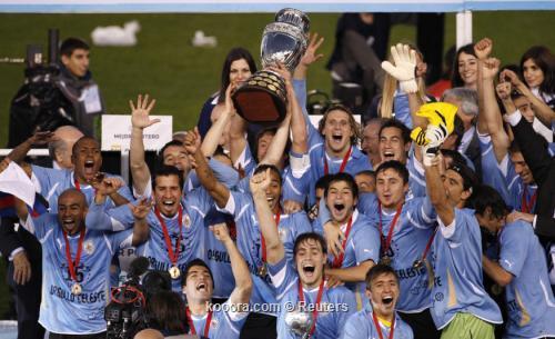 فوز أوروغواي بكوبا أمريكا.. أرقام 2011-07-24t222014z_01_mbz49_rtridsp_3_soccer-copa_reuters.jpg