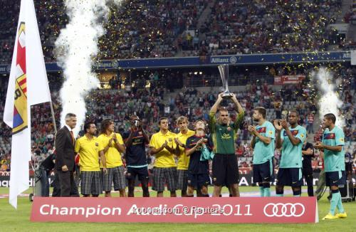 جوارديولا يشيد بفريق برشلونة بعد 2011-07-27t205634z_01_reh25_rtridsp_3_soccer-germany_reuters.jpg