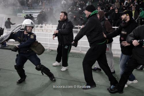 مواجهات عنيفة تسفر عن الغاء دربي الدوري اليوناني