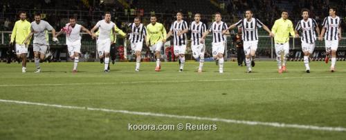 يوفنتوس يستغل سقوط ميلان وينتزع صدارة الدوري الإيطالي
