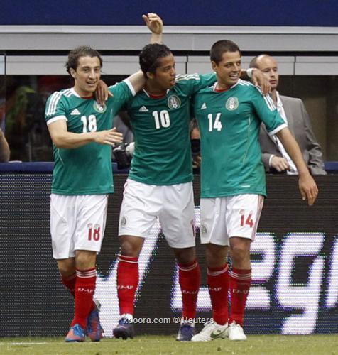 المكسيك تحرج البرازيل بثنائية مستحقة في لقاء ودي